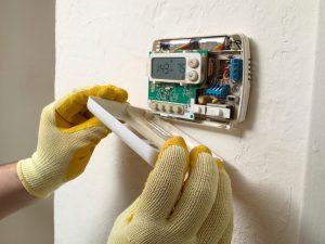 thermostat-maintenance-technician