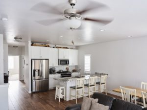kitchen-in-modern-home-with-ceiling-fan